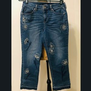 Antique inspired daisy cropped jeans